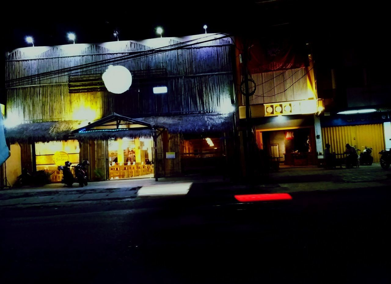 Night Street Road City Street City Illuminated Transportation Land Vehicle Outdoors People Architecture Restaurant Nightphotography Night Photography Nightlife Night View Streetphotography Across The Street Live For The Story The Great Outdoors - 2017 EyeEm Awards Neighborhood