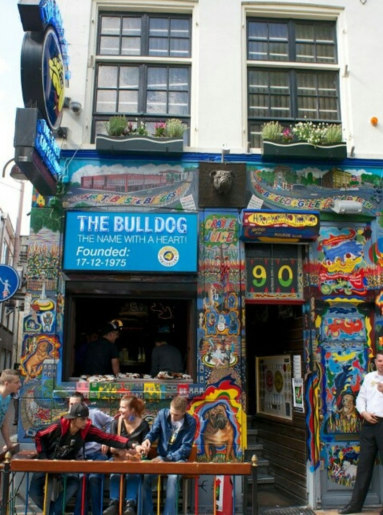 Amsterdam Coffeeshops Amsterdam Lovemycity Citylife Welcometoamsterdam Amsterdamcity I Love Amsterdam Coffeshop Coffeeshops  The Bulldog Coffeshop