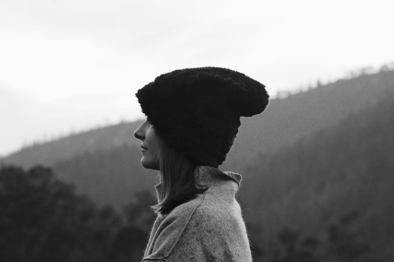 My Winter Favorites Portrait Taking Photos Winter Blackandwhite Misty People Nature Mountains Fog Morning Hat Shades Of Grey Mood Landscapes Getting Inspired Getting Away From It All CaptureTheMoment Forest From My Point Of View Perspective Girl Grey White Black