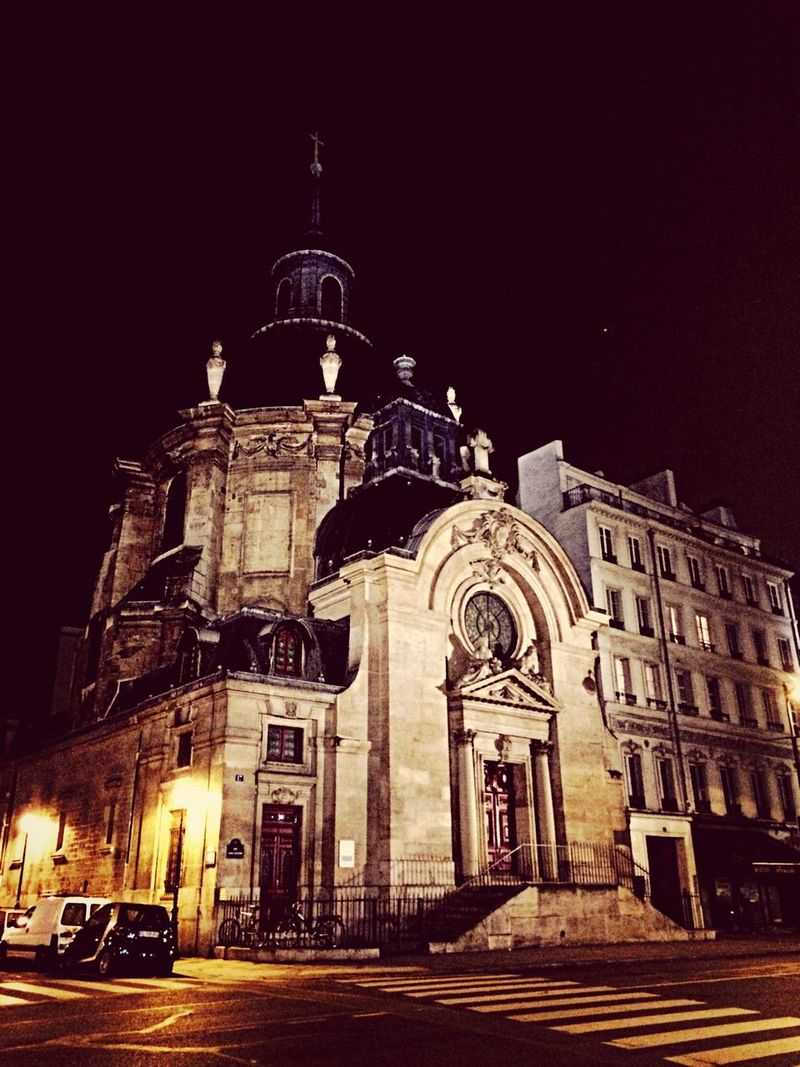 Temple du Marais, Paris. Temple Temple Du Marais Architecture Building Beautiful Buildings Saint Paul Urban Nightphotography