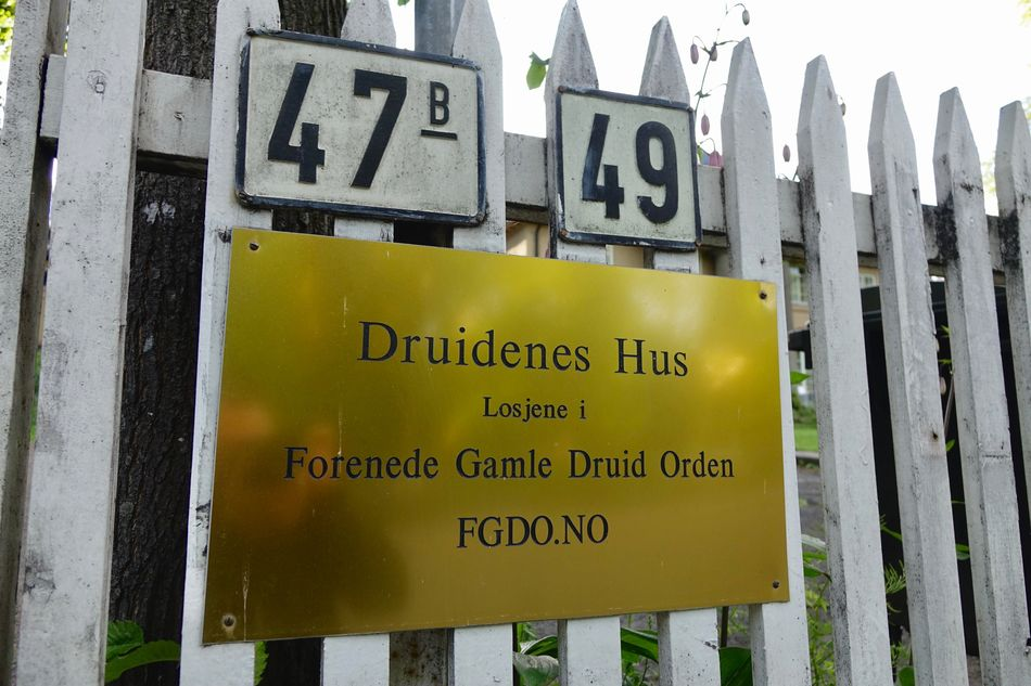 Blimey! Can't believe Druids are kickin' Can't Believe It Druids Incroyable! Maison Des Druides Norway Oslo Panoramix Bros. Still Exist