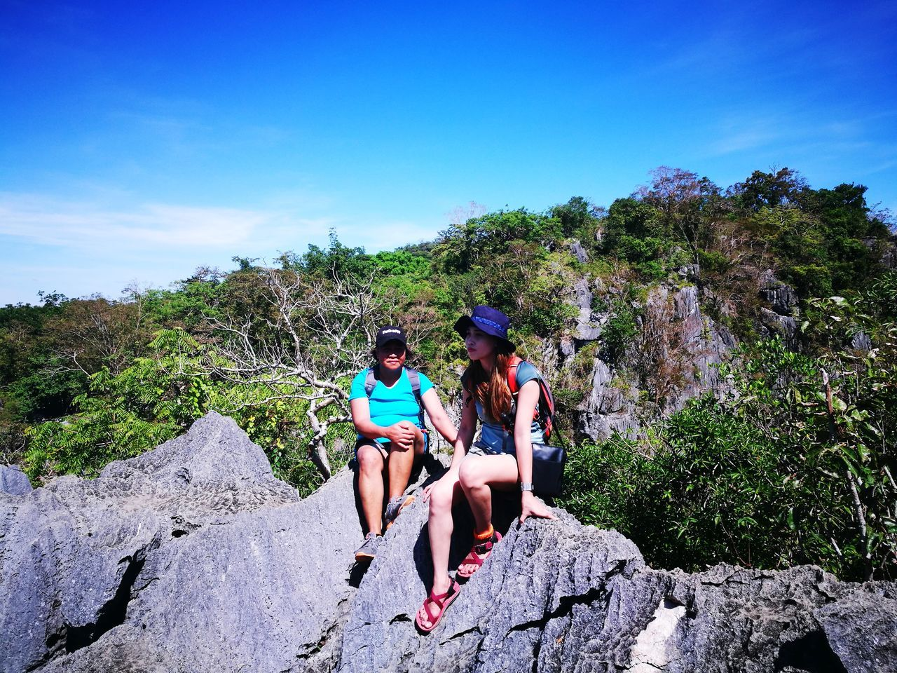 Viewdeck Friendship Togetherness Explorer Two People Adventure Mother Nature Is Amazing Motherdaughterbonding