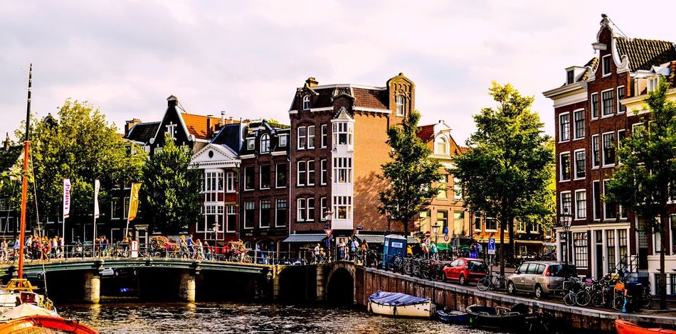 Amsterdam Amsterdamcity Amsterdam Canal Holland Holland❤ Holanda Streetphotography Street Photography Street Urban Urban Geometry Urbanphotography Urban Landscape Building Exterior Architecture Canal Built Structure Outdoors City Day Traveling Travel Travel Destinations Travel Photography Travelphotography Traveling Home For The Holidays