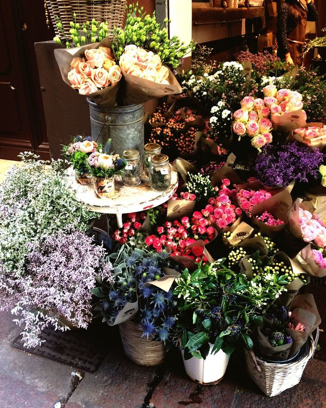 Flower Freshness Retail  Flower Shop Variation Market Business High Angle View Nature Flower Market For Sale Fragility Choice Market Stall No People Outdoors Flower Head Beauty In Nature Day Bouquet