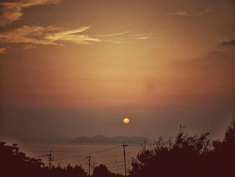 Before Sunset Sunset Silhouettes Sea And Sky : Omurawan parking Area, Nagasaki Expressway( to Fukuoka Side ) Aug 14 Peaceful Evening / LUMIX GX1 LUMIX G VARIO 14-45/F3.5-5.6 ( 45: 90mm ) de Good Night