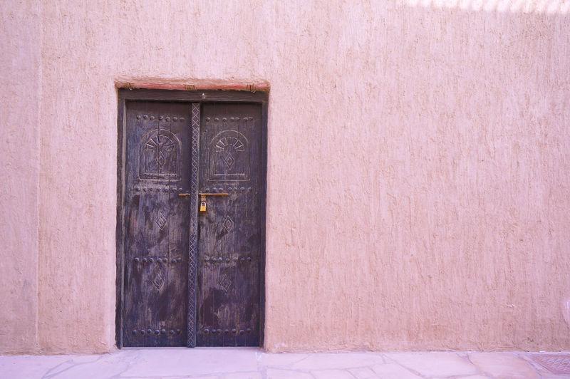 2013 Arab Arabian Arabic Arabic Style Architecture Door Outdoors Pink Wall アラブ ドア ドバイ
