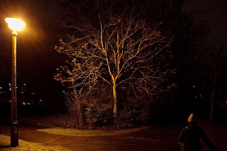 Night Lights Nightphotography Berliner Lichter Berliner Nächte My Fuckin Berlin Die Radikalen Foto Hools Streetphotography Light And Shadow Light Up Your Life Lights