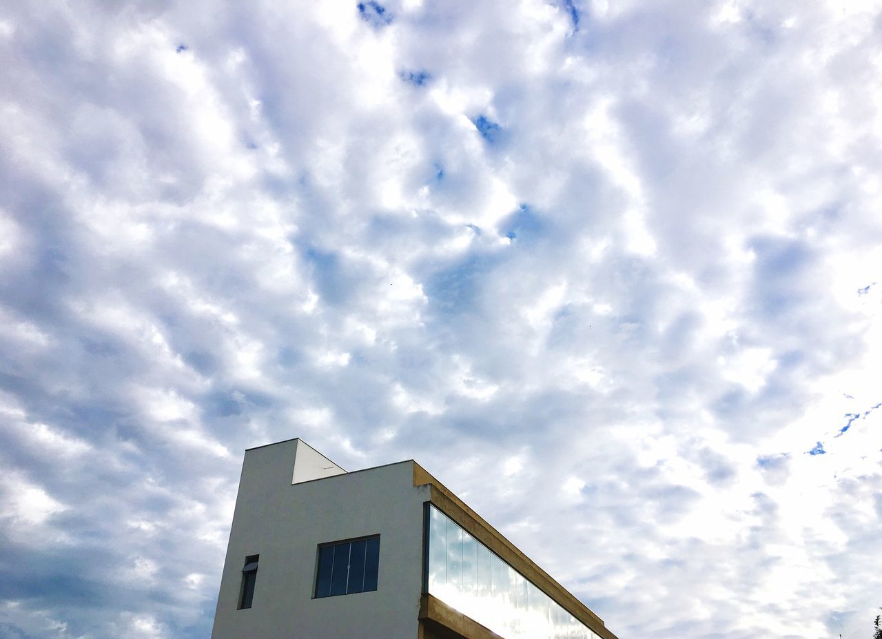 Low Angle View Sky Cloud - Sky No People Building Exterior Architecture Day Built Structure Outdoors Nature First Eyeem Photo EyeEm Best Shots Exceptional Photography EyeEmNewHere EyeEm Gallery
