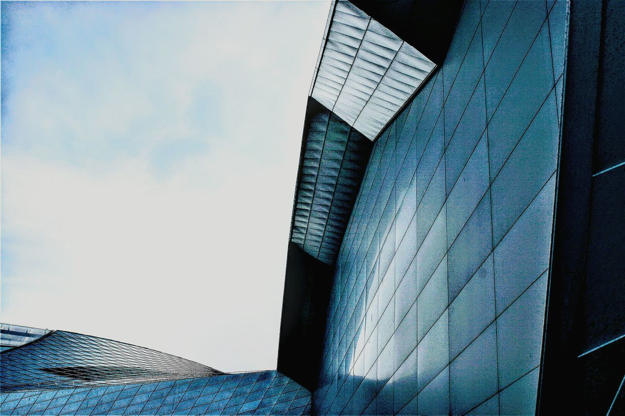 Sky No People Architecture Built Structure Building Exterior Cloud - Sky Skyscraper Day Outdoors Outdoor Photography Architectural Detail Architecture Denmark Architecturelovers Blueplanetaquarium Blueplanet