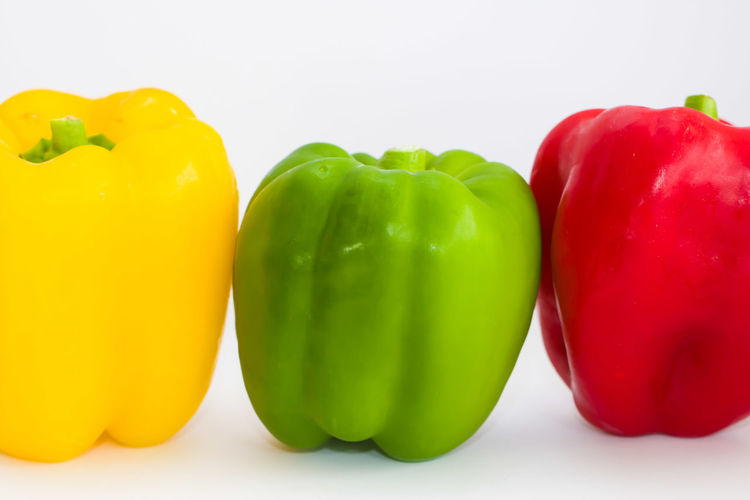 Exceptional Photographs Peppers Paprikas Green Pepper Yellow Paprika Red Pepper Showing ımperfection