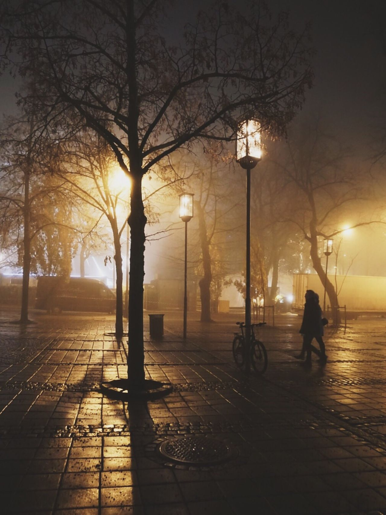 Fog changes everything Bicycle Vintage Photography Oslo Norway Vintage Modern Vintage Photography Modern Vintage Beautiful Destinations Oslo Visitoslo Nightphotography Norway Foggy Night City Life City Lights Visitnorway