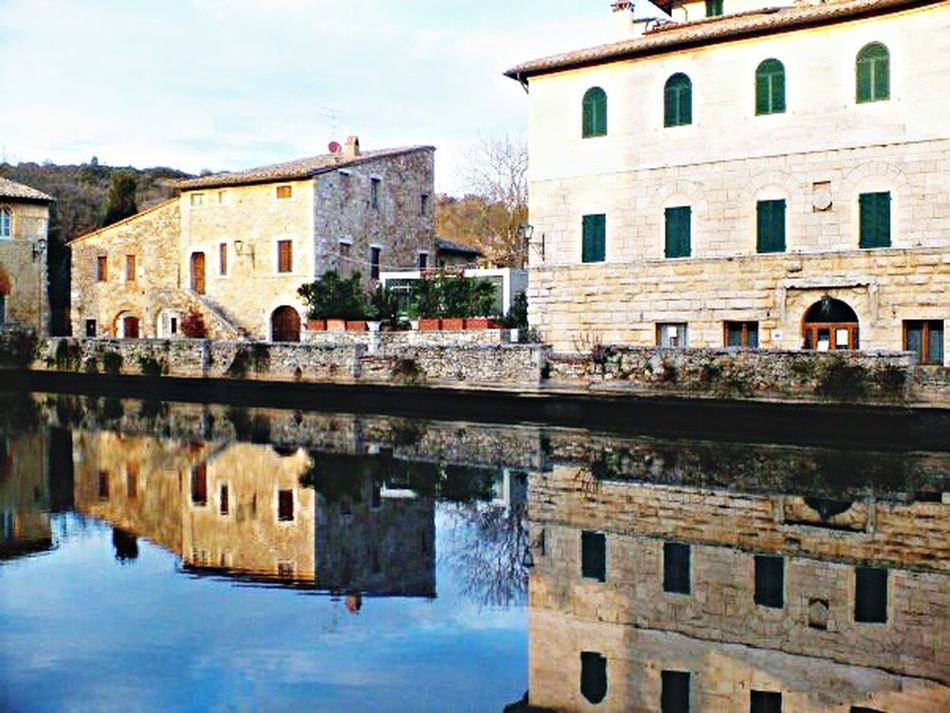 Tuscany Bagnovignoni Italy Eye4photography  Water Reflections Reflection From My Point Of View EyeEm Best Shots Eye4photography  Taking Photos