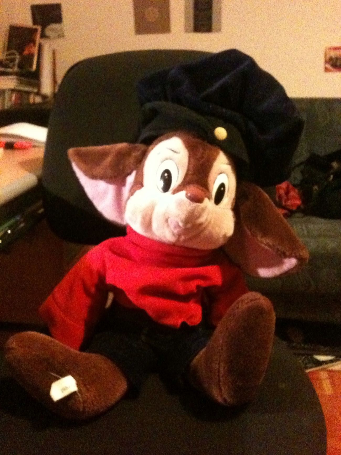 Fievel says you should go check out my blog tomorrow, 'cos a new comic will be happening. Http://Clairikine.blogspot.com