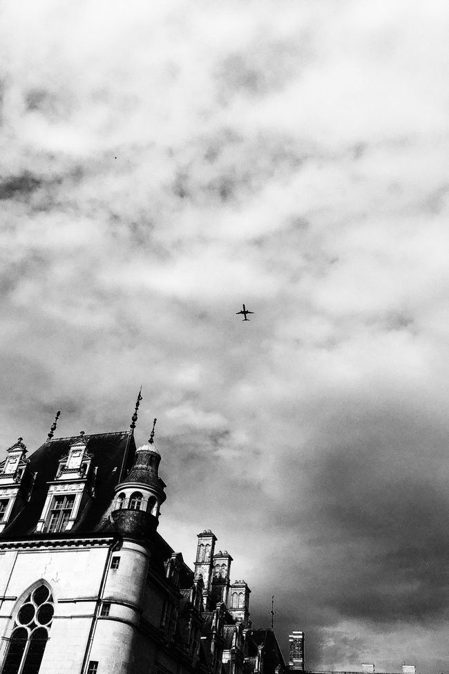 Avion Castle Black And White No People Architecture Plane