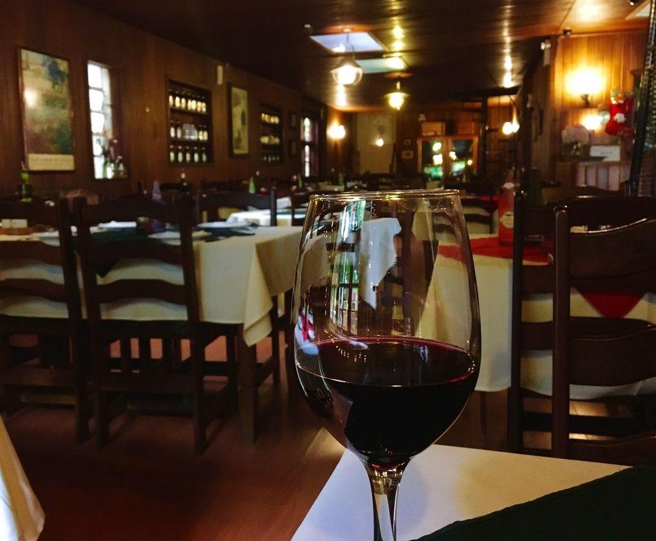 Glassofwine Winter Wine Italian Food Drink Restaurant Illuminated No People Indoors  Wineglass Camposdojordao