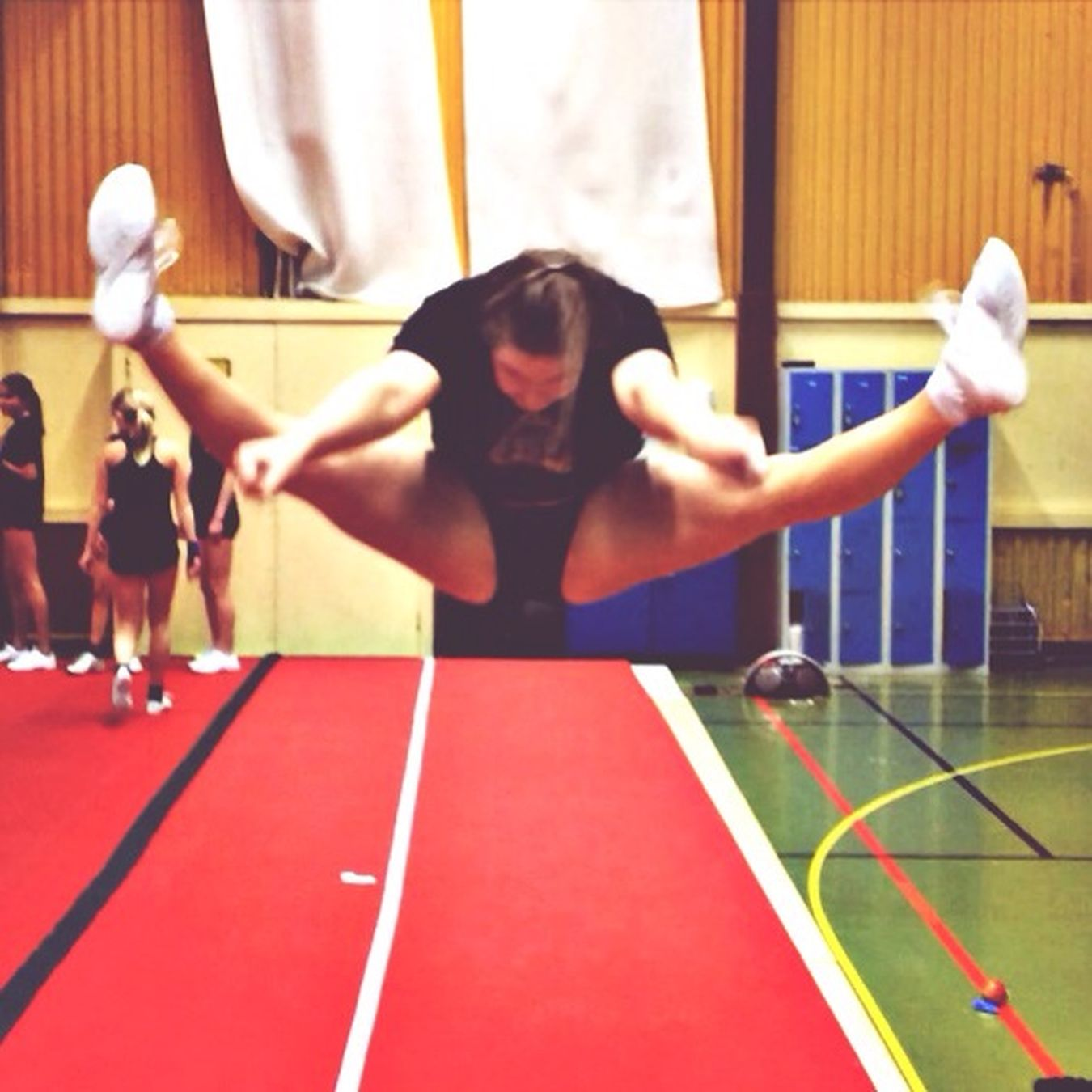 toetouch Cheerleading