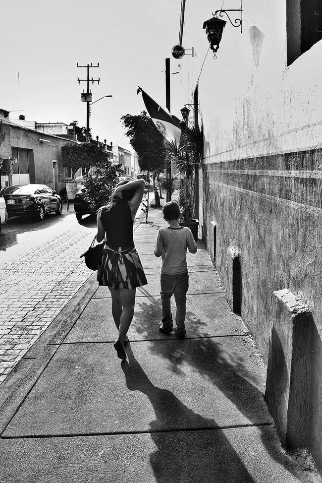 Street Portrait Blackandwhite Monochromatic Black And White Streetphotography_bw MonochromePhotography Monochrome_life Monochrome Streetphoto Monochrome Photography Streetphoto_bw Monochrome _ Collection Black & White Blackandwhite Photography B&w Street Photography Street Photo Street Life City Life Street Photography Walking City Street Streetphotography Street Shadow Child