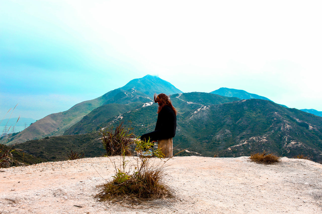 Back is beautiful Girl Mountains View Nature EyeEm Best Shots EyeEm Nature Lover Learn & Shoot: Working To A Brief
