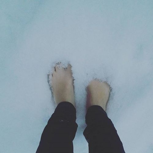 Снежок выпал Emotions снег холодно ноги снежинки хлопья иду_на_горку_с @toma.lerner басиком ледянки снегокат ♥★
