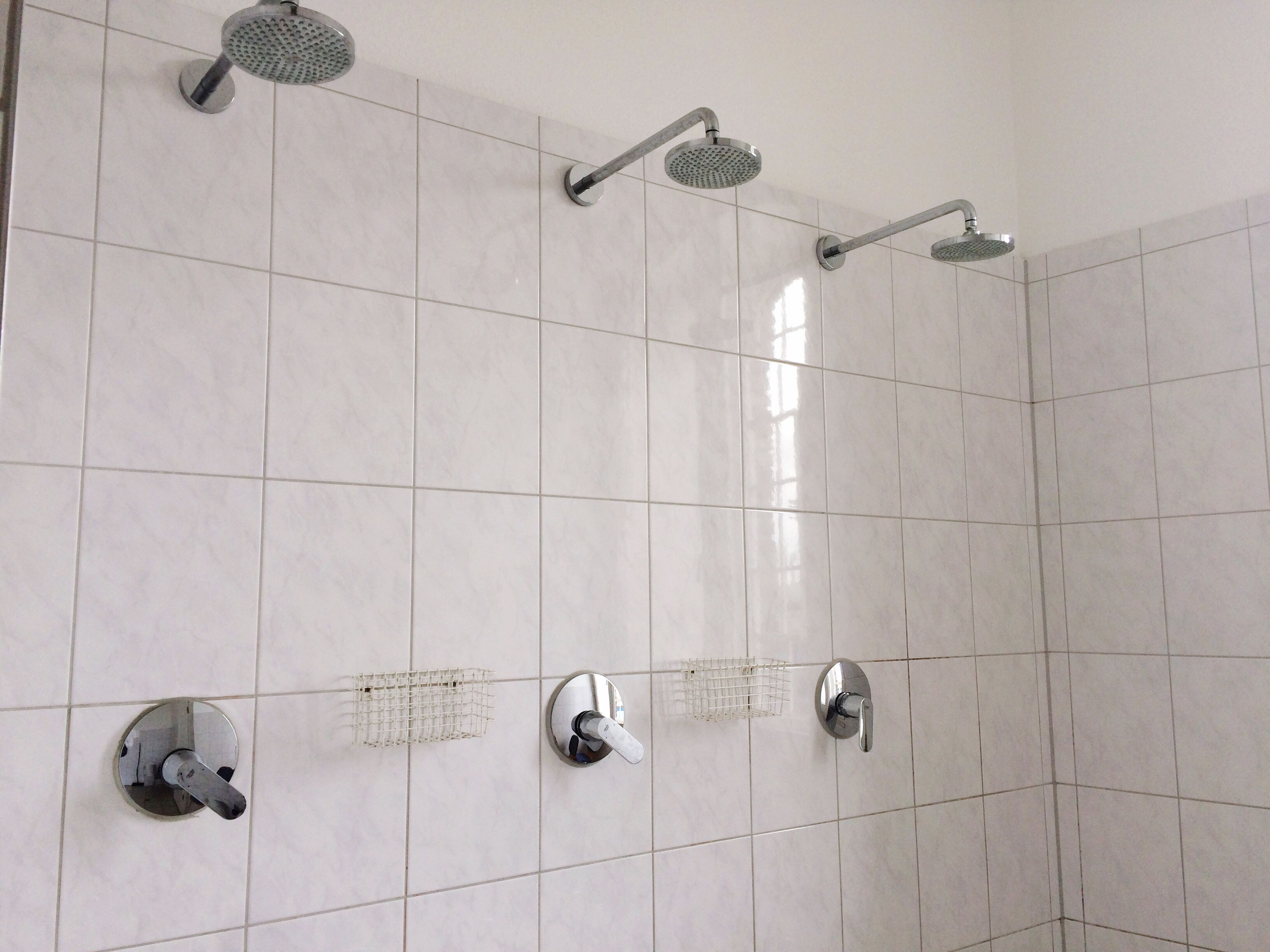 shower, shower head, bathroom, tile, domestic bathroom, hygiene, no people, indoors, domestic room, faucet, day