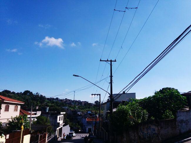 Mosaicos da Favela - saturday morning sky blue - Lord paint of sky Sky City Sampalovers Bluesky Brazil Braziliangallery Artworks Illuminated Urbanphotography