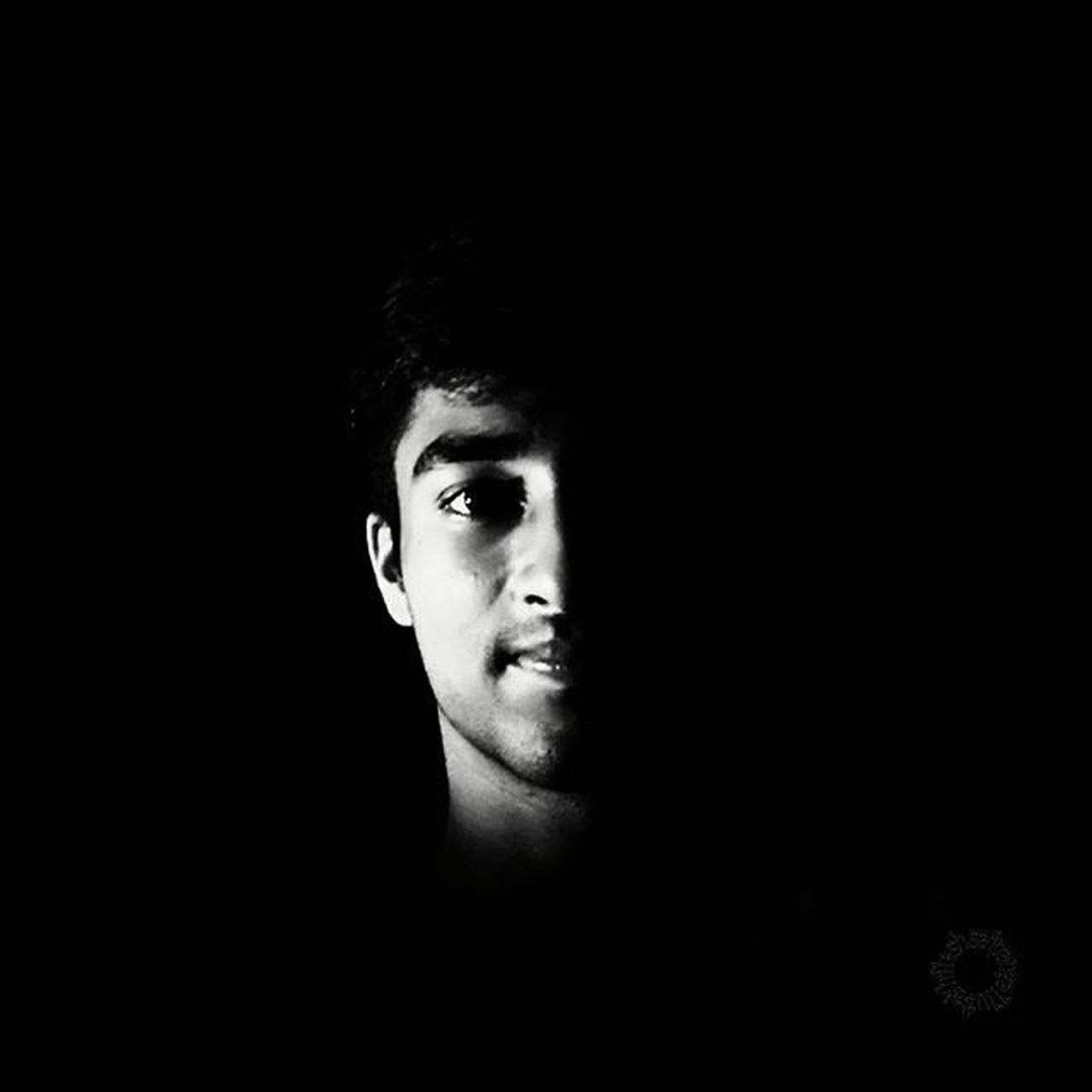 Black and White love . . . . all creditz to yu @sha_sonali 📷 :Xiaomi Redmi Note Prime Edit:Aviary Blackandwhite Bnw Me Dark Night Intothedark Flash Flashlight Beautifulmatters Topmobilegraphy Onlyphone Phoneonly Mobilephotography Mypixeldiaries Indiaclicks Instapic Instadaily Intagram L4l Likeforlike Xiaomi Redmi Xiaomiphotography Mi