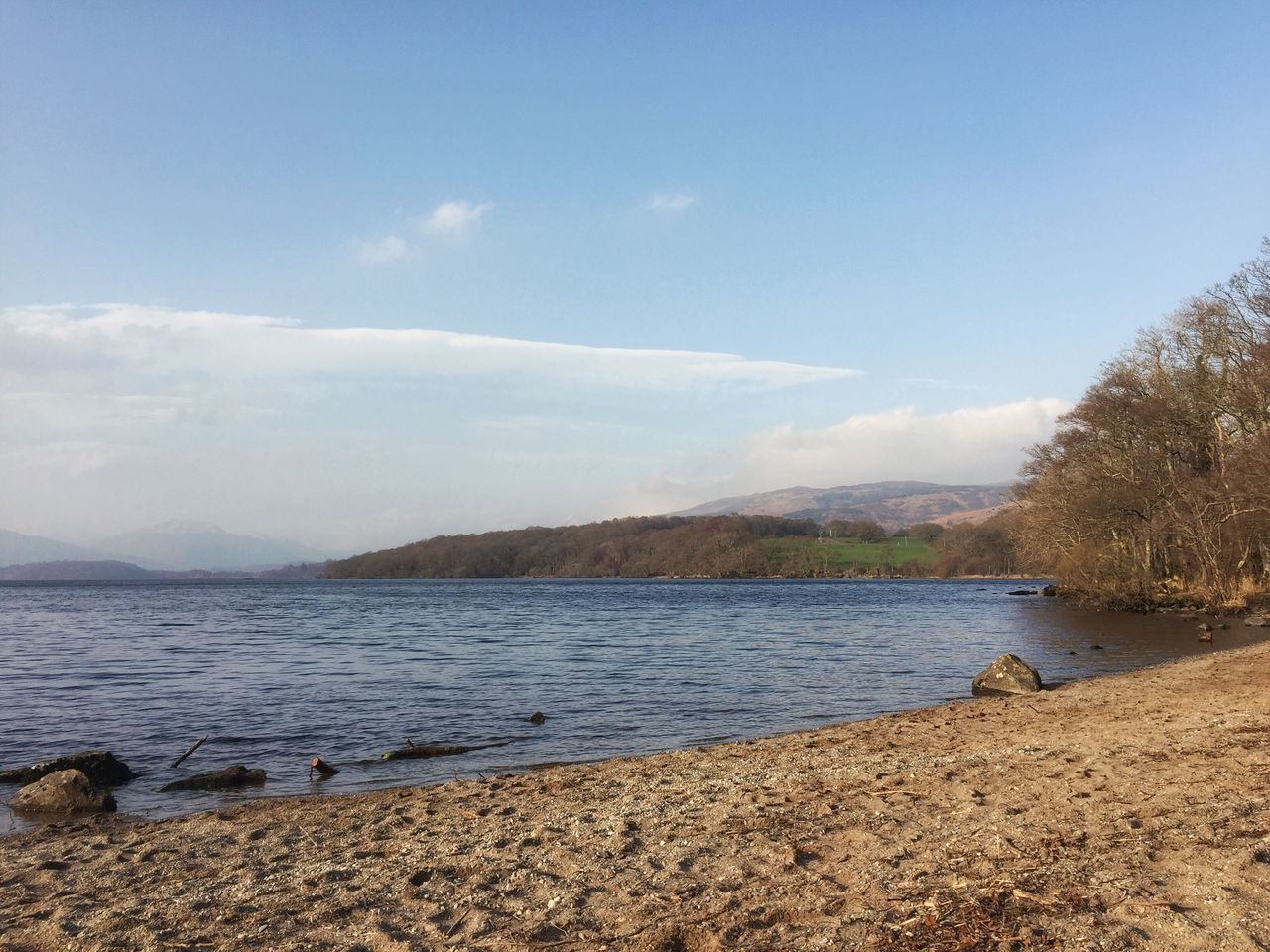 LochLomond Scotland Beautiful View Scenery Shots Rural Scene Waterfront Sand Beach Water Sky Tranquil Scene Mountain Outdoors Day Nature Landscape Beauty In Nature Nature_collection Scenics Naturelovers Beautiful Nature Scotlandsbeauty Lovely World 🌎