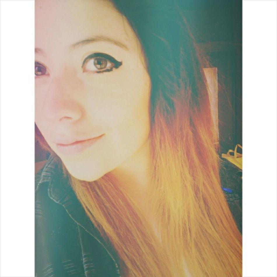Mexican Girl That's Me Enjoying Life Hello World Recuerdo A Poli Mexicana Mirame A Los Ojos Arctic Monkeys Eyes In Love