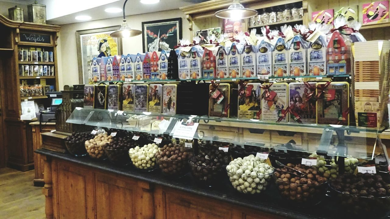 Candy Time Candyshop Sweets Yummy SugarRush Chocolate Chocolat Pralines Schokolade Schoko Store Chocolatier  La Belgique Gourmande Gourmet Gourmand Gourmande Typical Known For The Culture Of The Holidays Brussels