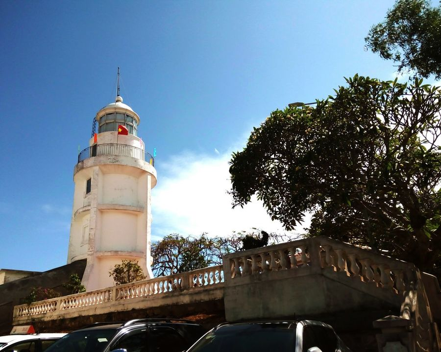 Ngọn Hải Đăng Lighthouse Lighthouses Lighthousephotography Lighthouseview Outdoors Day Traveling Travel Sky Tree Clear Sky Frommyview Bymyfone Vietnam Architecture Built Structure Cloud - Sky Building Exterior Vungtau Vietnam Vung Tau Vungtaucity Vungtau Vungtau Beach VungTau City