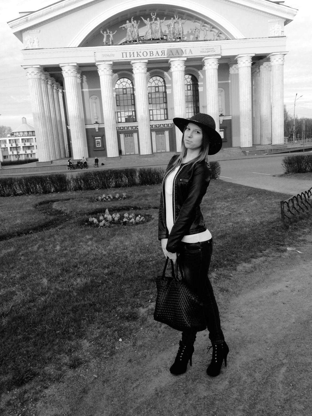 Петрозаводск площадь день