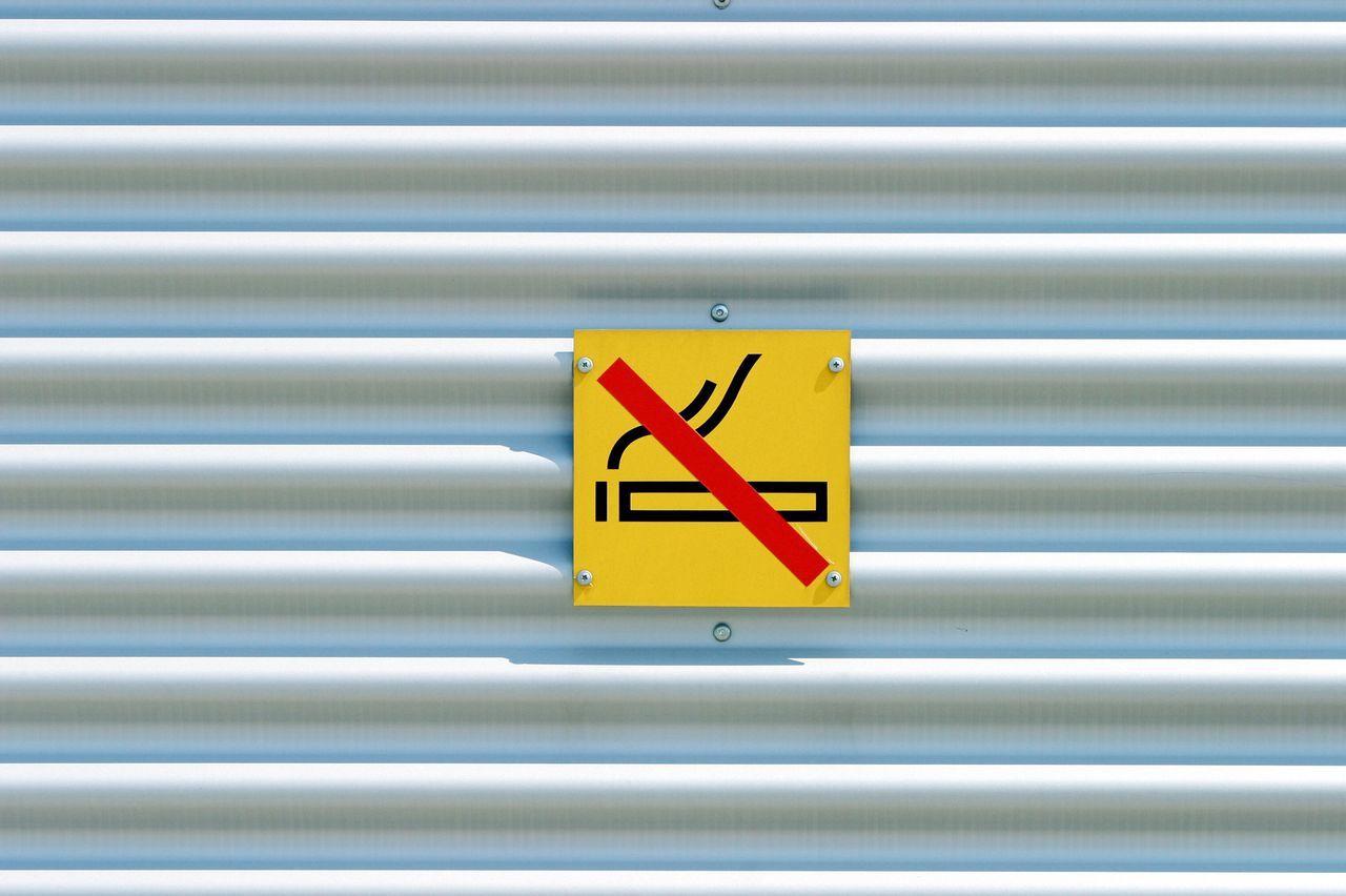 No Smoking Sign Symbol Hauswand Hinweisschild Hinweis Rauchverbot Rauchen Rauchen Verboten Außenaufnahme Nicht Rauchen