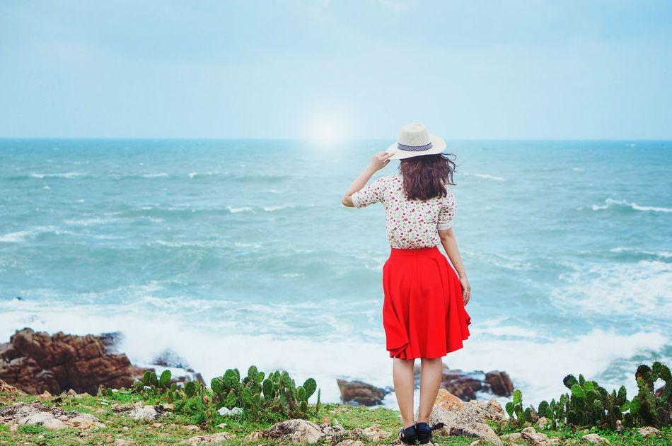 Beautiful stock photos of vietnam, horizon over water, sea, standing, water