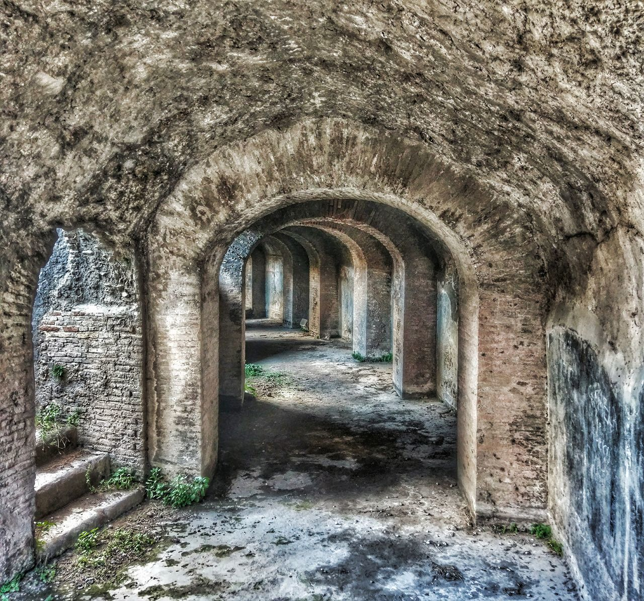 architecture, abandoned, arch, built structure, old ruin, no people, day, indoors