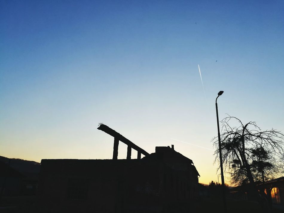 Planes in the sky in sunset :) Clear sky and plane trails :) Sky No People Outdoors Airplane Airplane In The Sky Airplane Clouds Clear Sky Huaweip9photos HuaweiP9shots Huawei P9 Leica Leica Dual Camera Leicaphotography Bosniaandherzegovina Visoko