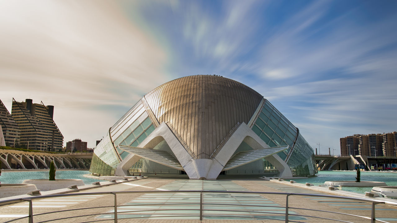 https://open.spotify.com/track/411OTxns9AhvznxpQyPBvz Architecture Building Exterior Built Structure Ciudad De Las Artes Y Las Ciencias Modern Napatu Sky Travel Destinations València