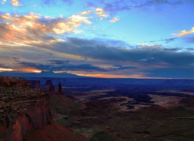 Sunrise Canyons Mesa Mountains In Background Outdoors Remote Non-urban Scene Cloud - Sky Tranquil Scene Beauty In Nature