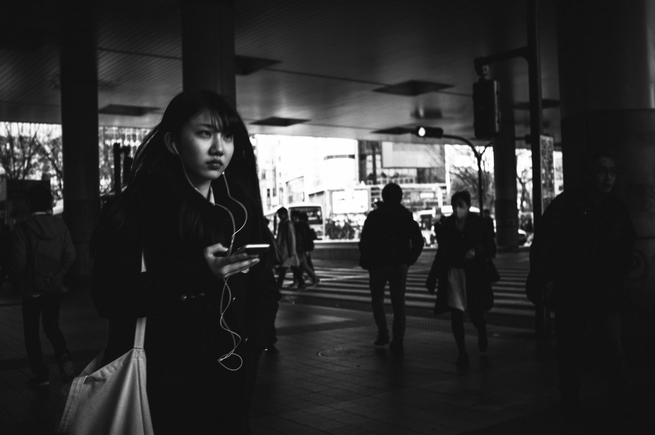 Monochrome Photography B&w Street Photography Streetphotography_bw Streetphoto_bw Japan Streetphoto People Tokyo Streetphotography Blackandwhite Black And White Street Photography The Week Of Eyeem