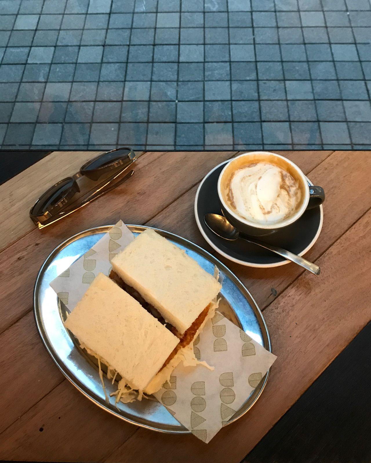 Ebi Katsu Sandwich 海老かつ In My Mouf 🦐🍞🤤 |