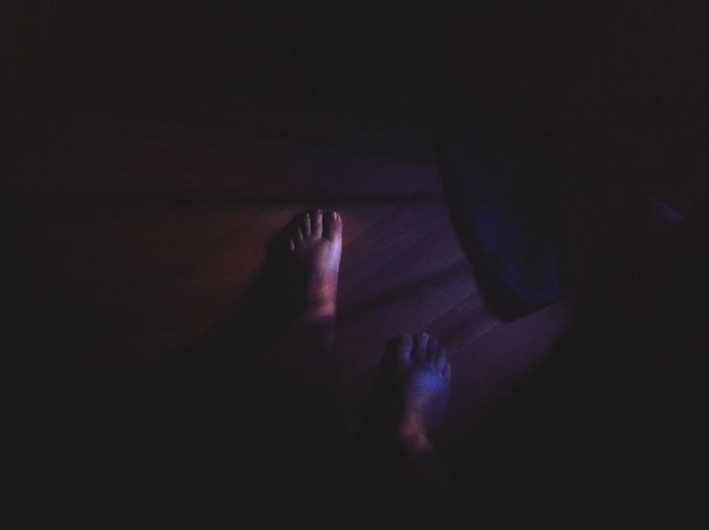 Feet Lowlight Lowlightphotography IPhoneography Early Morning Curtains Light Breaking