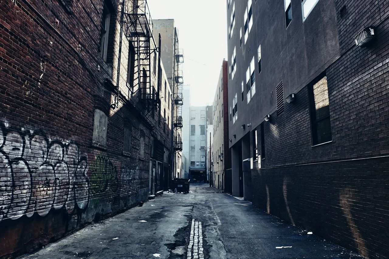 No People Alley Urban Exploration Urban Geometry Streetphotography Perspective Cityscapes Industrial Street