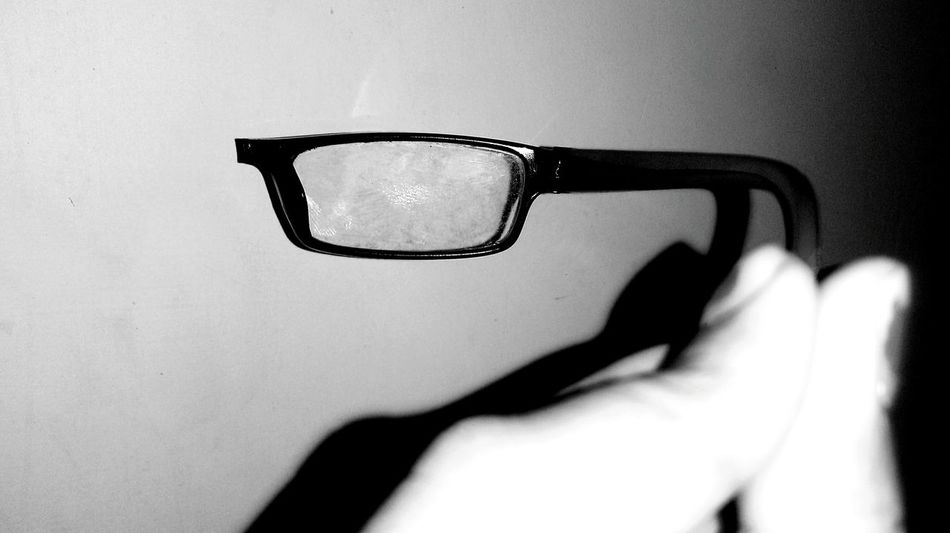 Timepass Click Broken Glasses Hello World LearningEveryday B&w Spectacles Perspective Broken Broken Things Abandoned Abandonedthings Hello Check This Out Black And White Photography From My Point Of View Throughmyeyes Hidden Beauty Taking Photos Love To Take Photos ❤ Original Experiences Blackandwhite Photography Black & White