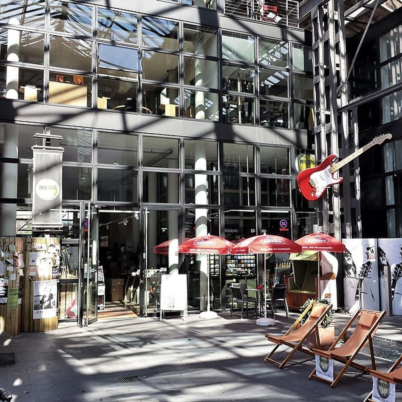 One of my favorite shops in Hamburg No.1 Guitar Center No1 No1guitarcenter Guitarporn fender gibson jackson rickenbacker gretsch ovation stratocaster architecture architektur glas glass steel stahl