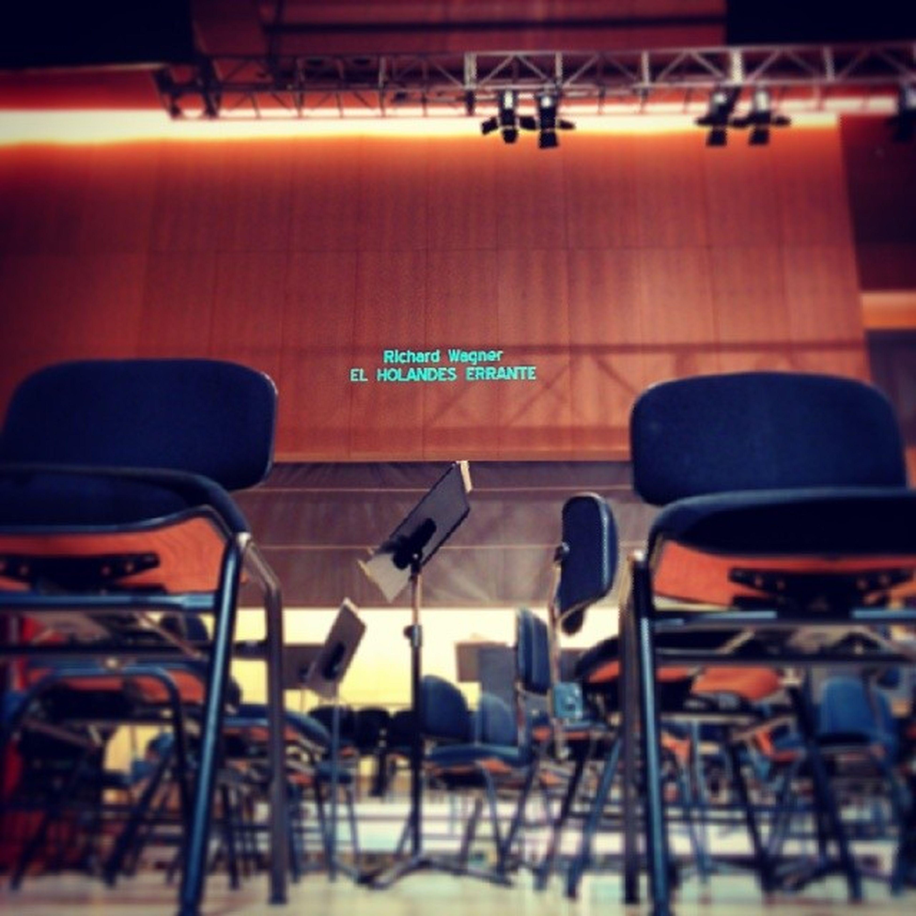 Estamos preparados, la función va a comenzar muy pronto! Auditorio Castellón Holandés Errante