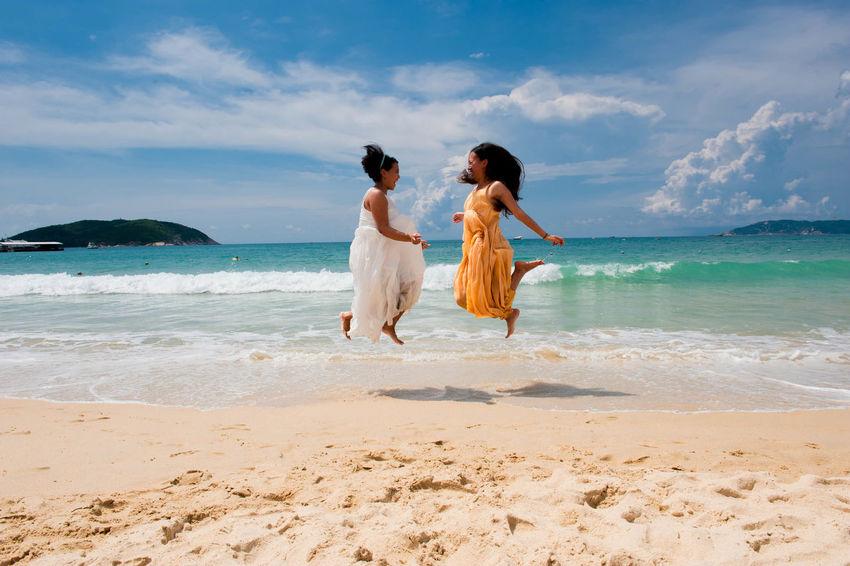 Beach Friends Wonderful Vacation