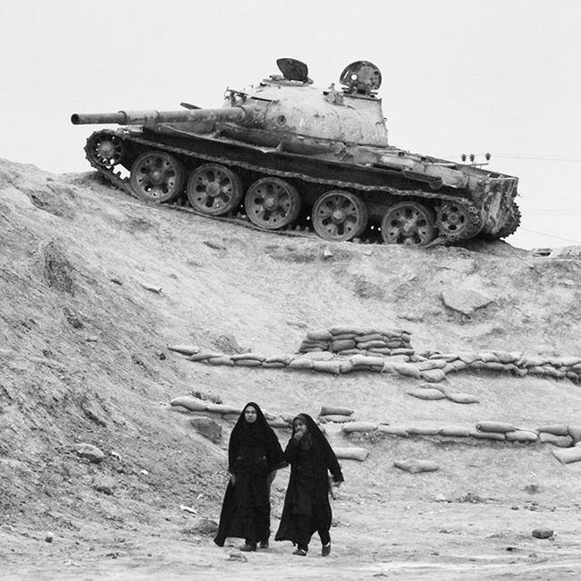 Photograph Photographer Blackandwhite Bw Iran Black White Photography Photos Photoshoot Photoofday Photooftheday Photo Iran Woman Tank Battlefield ایران سیاه_سفید اسلحه تفنگ تانک زن جنگ