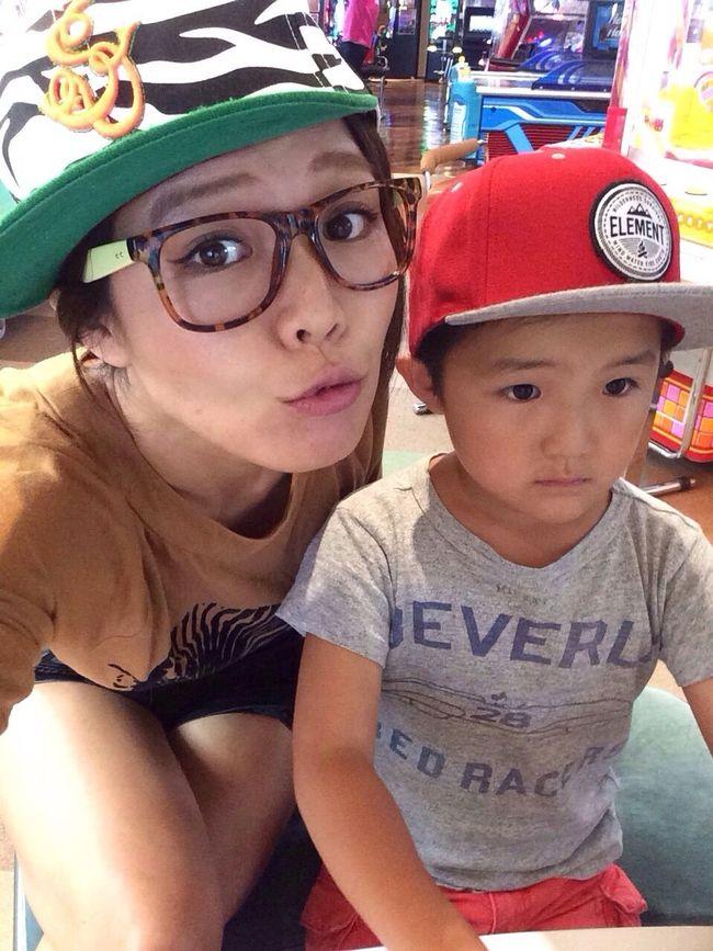 ポケモンのゲームに夢中でかまってくれないよ〜!ほよよ。 Cap Eyewear Funny Faces Zebra Game Family Japanese  Fashion オタク Otaku