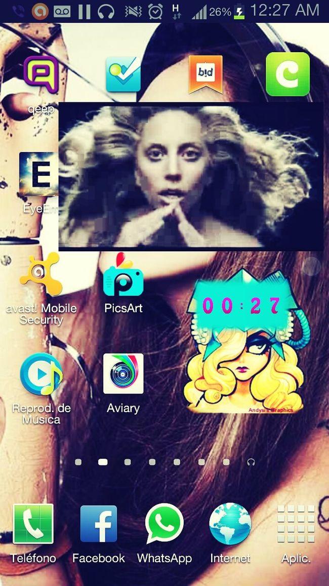 y antes de dormir Gaga-applause