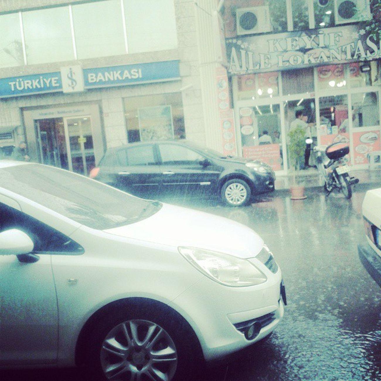 yağmuraFeña Yakalandik