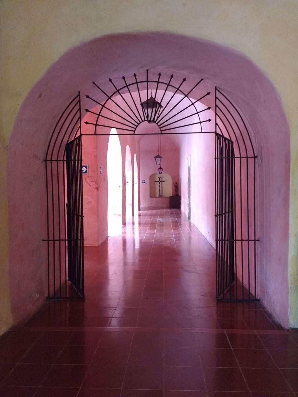 corridor, door, indoors, the way forward, empty, arch, architecture, built structure, no people, day